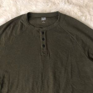 True Craft Shirts - Men's olive green thermal Henley shirt large